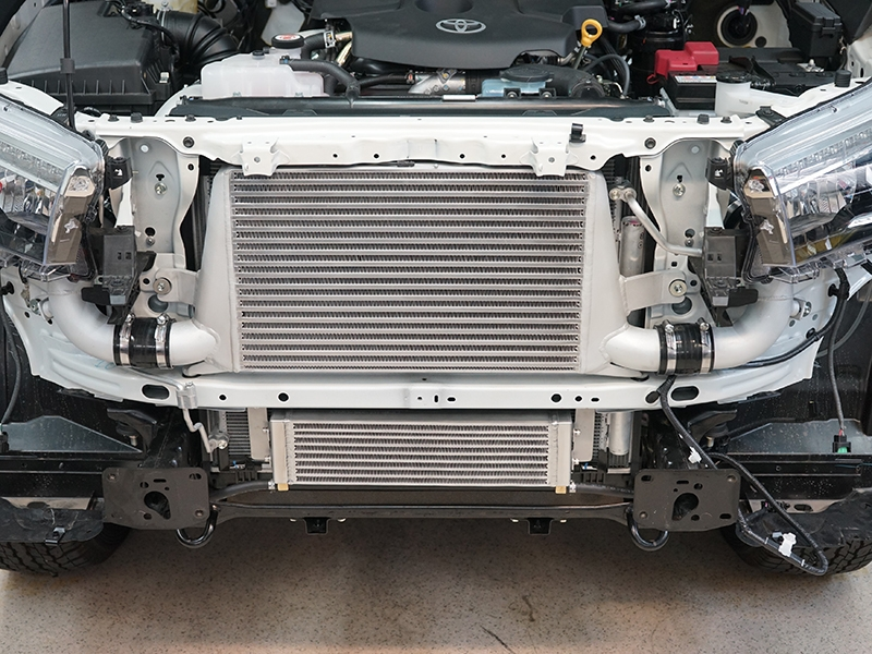 Hilux 2.8 intercooler and trans cooler